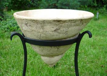 Sprzedam donicę ceramiczną mrozoodporną + stojak