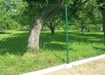 Kompletne ogrodzenie, Siatka pleciona wraz z podmurówką h150