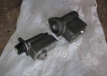 równiarka D - 557, DZ - 31, DZ - 122, DZ - 180 pompa