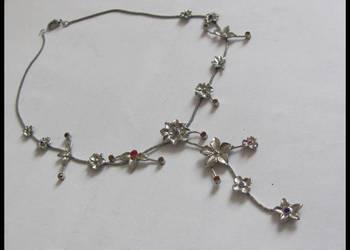 Naszyjnik kwiatki sztuczna biżuteria