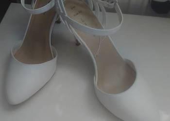 Białe szpilki New look  ślubne 42-43