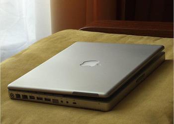 """Sprzedam mały notebook Apple 12"""" - idealny na uczelnię, podróż"""
