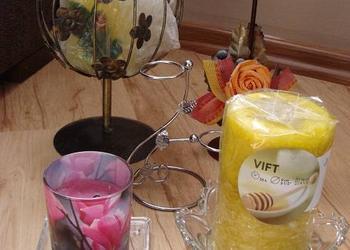świeczniki (5 szt.) ze świecami ozdobnymi, zapachowymi