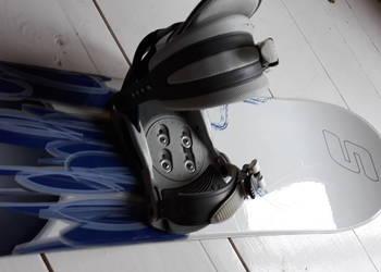 Deska snowboard Salomon z wiązaniami