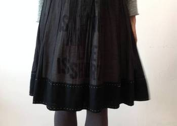 Spódnica Simple z wzorem liter