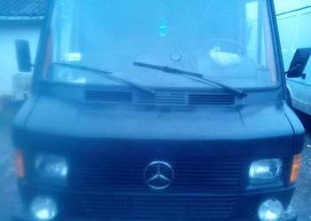 Mercedes dostawczy 210 Kaczka