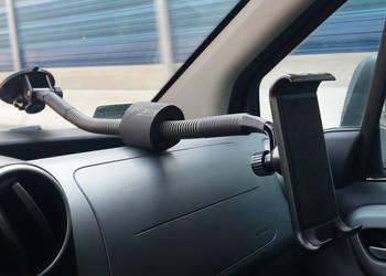Uchwyt do szyby samochodowej z giętkim ramieniem na tablet