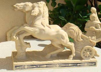 Rydwan, rzeźba sygnowana konie z alabastru antyk