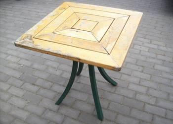 Stół ogrodowy drewniany na nodze zielonej używany