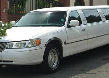 "Lincoln Town Car 120"" limuzyna 8.60 m"