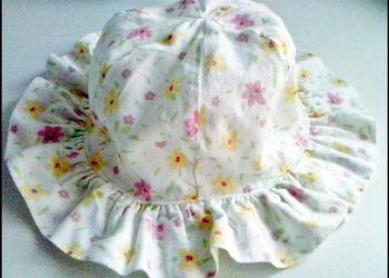 Mothercare - kapelusik na 3-6 miesięcy