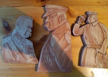 Piłsudski drewno płaskorzeźba