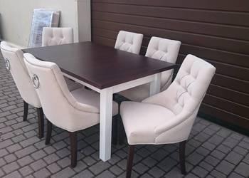 Eleganckie krzesło tapicerowane z kołatką pikowane producent