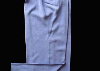 Eleganckie spodnie damskie 44 biodra 110