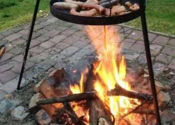 GRILL wiszący nad ogniskiem