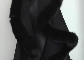 ponczo wełniane-kaszmir obszyte futrem z lisów