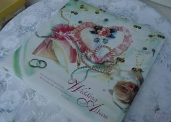duży album ślubny w kartonie