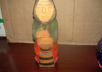 drewniana figurka-Baba ubija śmietanę