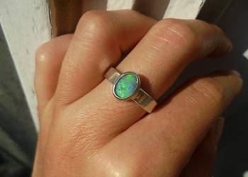 pierścionek z naturalym CZARNYM AUSTRALIJSKIM OPALEM