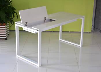 Stół biurko Q9 z ukrytą półką na laptopa