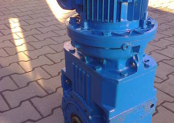 Motoreduktor 3 kW / 36 obr  3-faz