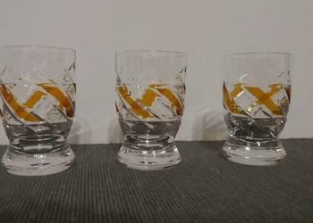 PRL Trzy kryształowe kieliszki do wódki