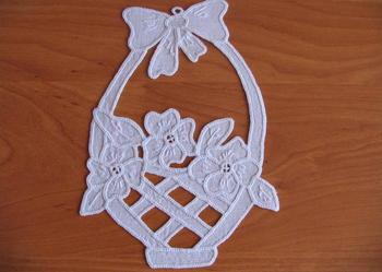 Wisząca ozdoba - ręczny haft richelieu