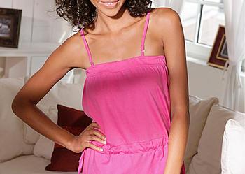 piżama / kombinezon na ramiaczkach w kolorze intensywnego różu