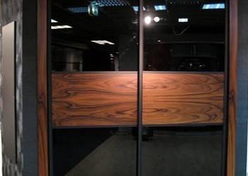 Szafy wnękowe z drzwiami przesuwanymi, garderoba, komody