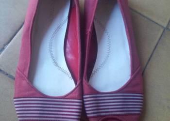 Buty czerwone z odkrytym palcami