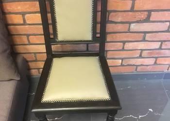Stare bukowe krzesło po renowacji