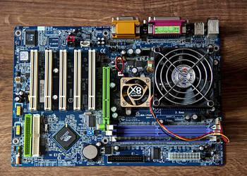 Płyta główna GA-7VA z procesorem AMD Atlon 1.8 Ghz i pamięc