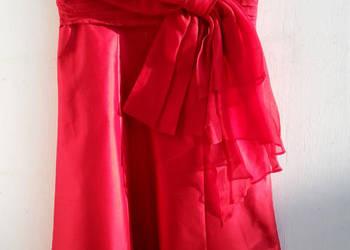 Nowa kloszowana jedwabna sukienka z odkrytymi ramionami