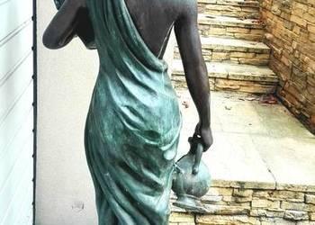 Fontanna ogrodowa z brązu - kobieta