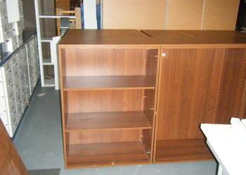 szafki aktowe, biurka, kontenerki, stół konferencja,krzesła