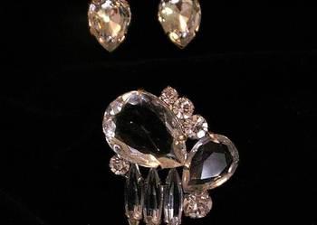 Komplet eleganckiej biżuterii - broszka plus klipsy.