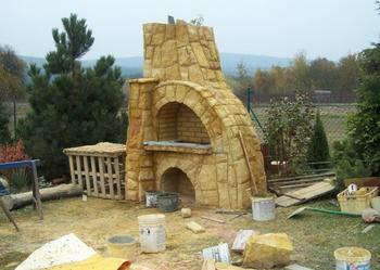 grill z kamienia ogrodowy, wędzarnia