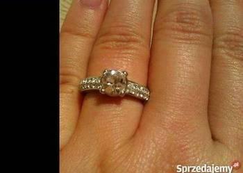 oryginalny pierścionek Swarovskiego