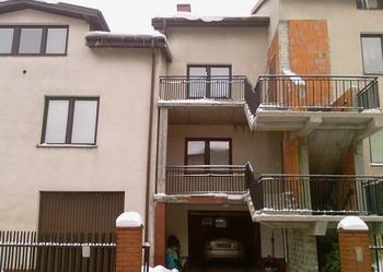 Sprzedam pilnie dwa domy w Ząbkach na narożnej działce.Do poważnej negocjacji cenowej.Pilnie.!!!!!!!