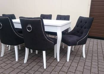 Tapicerowane modne wygodne krzesło z kołatką pikowane nowe