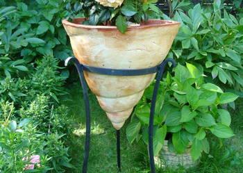 Donica ceramiczna mrozoodporna w stojaku 40X40 cm.
