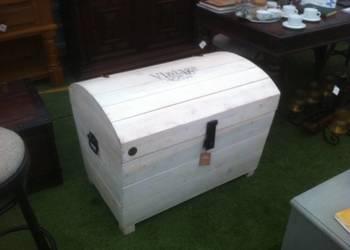 Kufer drewniany, solidny, duży, biały, pakowny, skrzynia.