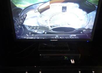 Sprzedam Xbox 360 z grami i padem