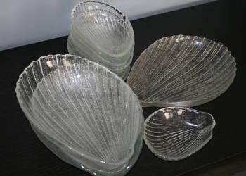 12 półmisków kształt muszelka z huty Ząbkowice