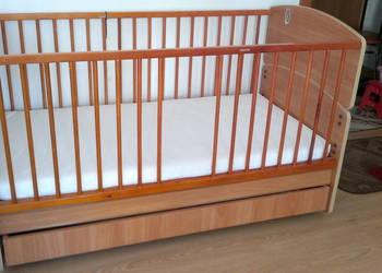 Łóżeczko drewniane + szuflada + materac STAN BDB.