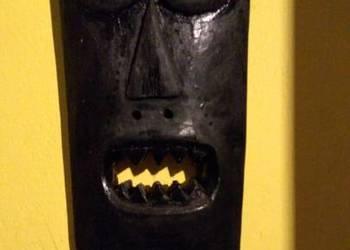 drewno maska rzeźba
