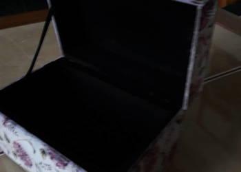 Szklana szkatułka kasetka - Anglia
