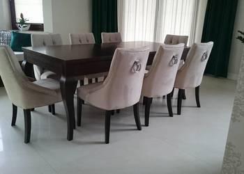 Nowe eleganckie krzesło z kołatką chesterfield pikowane
