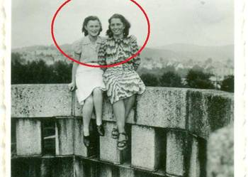 Stara fotografia kobiety 1942 rok opis