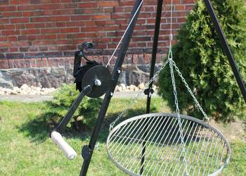 korbka do grilla kołowrotek grill trójnóg